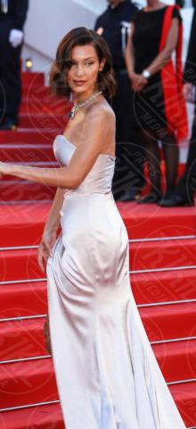 Bella Hadid - Cannes - 17-05-2017 - Cannes 2017, le immagini della prima giornata