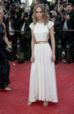 Cannes - 17-05-2017 - Cannes: i capezzoli di Lily-Rose Depp sono i veri protagonisti