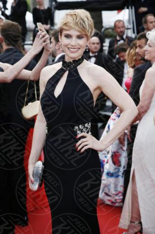 Andrea Osvart - Cannes - 18-05-2017 - Cannes  2017, il seno nudo di Emily Ratajkowski incanta i fan