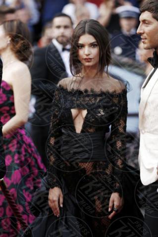 Emily Ratajkowski - Cannes - 18-05-2017 - Emily Ratajkowski: