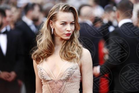 Ospite - Cannes - 18-05-2017 - Cannes  2017, il seno nudo di Emily Ratajkowski incanta i fan