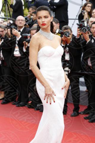 Adriana Lima - Cannes - 18-05-2017 - Cannes 2017, le immagini della seconda giornata