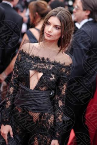 Emily Ratajkowski - Cannes - 18-05-2017 - Emily Ratajkowski, il lato b è ancora una volta da urlo