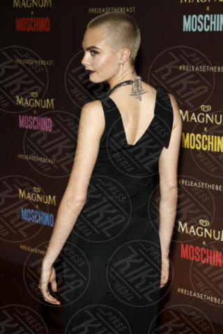 Cara Delevingne - Cannes - 18-05-2017 - Cannes 2017: Cara Delevingne star del party Magnum X Moschino
