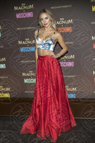 Kimberley Garner - Cannes - 18-05-2017 - Cannes 2017: Cara Delevingne star del party Magnum X Moschino