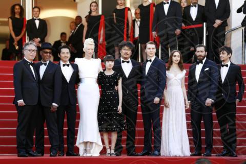 Devon Bostic, Steven Yeun, Paul Dano, Lily Collins, Giancarlo Esposito, Jake Gyllenhaal, Tilda Swinton - Cannes - 19-05-2017 - Cannes 2017: è Rihanna la più sexy di tutte