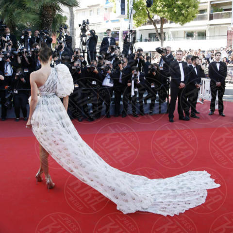 Kendall Jenner - Cannes - 20-05-2017 - Chi lo indossa meglio? Kendall Jenner e Poppy Delevingne