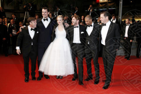 Terry Notary, Claes Bang, Ruben Ostlund, Dominic West, Elisabeth Moss - Cannes - 20-05-2017 - Cannes 2017: Elizabeth Olsen tutta curve sul red carpet