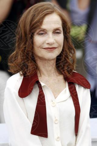 Isabelle Huppert - Cannes - 21-05-2017 - Cannes 2017: Isabelle Huppert riparte da Claire's camera
