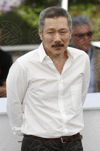 Hong Sang Soo - Cannes - 21-05-2017 - Cannes 2017: Isabelle Huppert riparte da Claire's camera
