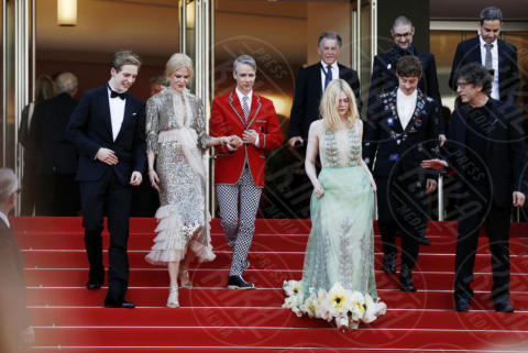 Aj Lewis, Alex Sharp, Cameron Mitchell, Elle Fanning, Nicole Kidman - Cannes - 21-05-2017 - Cannes: l'eleganza di Nicole Kidman, il sideboob di Elle Fanning