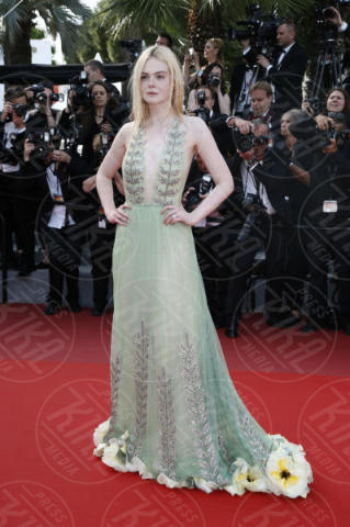 Elle Fanning - Cannes - 21-05-2017 - Cannes: l'eleganza di Nicole Kidman, il sideboob di Elle Fanning