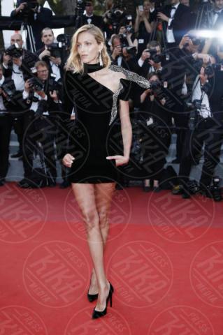 Anja Rubik - Cannes - 21-05-2017 - Cannes: l'eleganza di Nicole Kidman, il sideboob di Elle Fanning