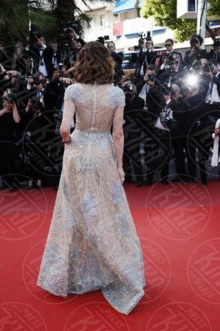 Olga Kurylenko - Cannes - 21-05-2017 - Cannes: l'eleganza di Nicole Kidman, il sideboob di Elle Fanning