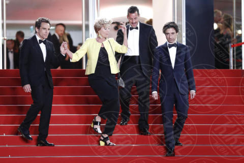 Adam Sandle, Noah Baumbach, Emma Thompson, Ben Stiller, Dustin Hoffman - Cannes - 21-05-2017 - Cannes: l'eleganza di Nicole Kidman, il sideboob di Elle Fanning