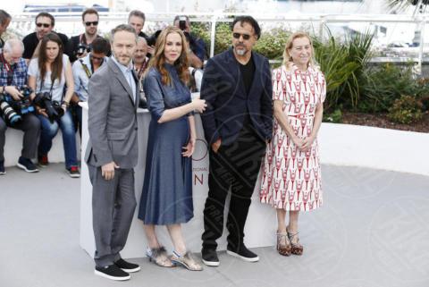 Mary Parent, Alejandro González Inarritu, Emmanuel Lubezki, Miuccia Prada - Cannes - 22-05-2017 - Cannes: Carne y Arena, Inarritu vira verso la realtà virtuale