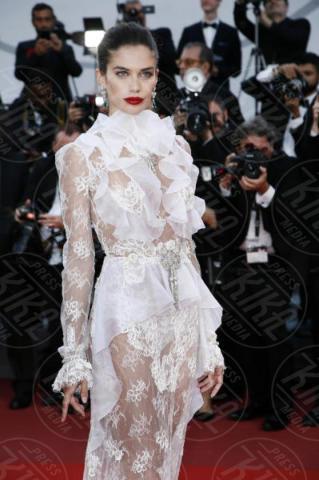 Sara Sampaio - Cannes - 22-05-2017 - Cannes 2017: Nicole Kidman, una damigella con tutù
