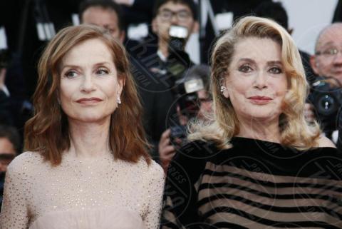 Isabelle Huppert, Catherine Deneuve - Cannes - 22-05-2017 - Cannes 2017: Nicole Kidman, una damigella con tutù