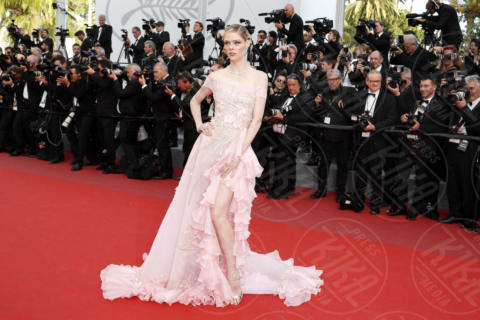 Coco Rocha - Cannes - 21-05-2017 - Cannes 2017: sul red carpet lo spacco spacca!