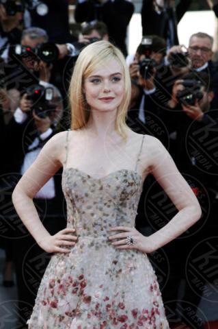 Elle Fanning - Cannes - 23-05-2017 - Cannes festeggia 70 anni: sul red carpet la crème de la crème