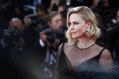 Charlize Theron - Cannes - 23-05-2017 - Cannes festeggia 70 anni: sul red carpet la crème de la crème