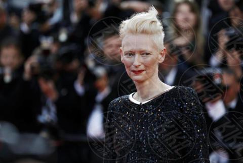 Tilda Swinton - Cannes - 23-05-2017 - Cannes festeggia 70 anni: sul red carpet la crème de la crème