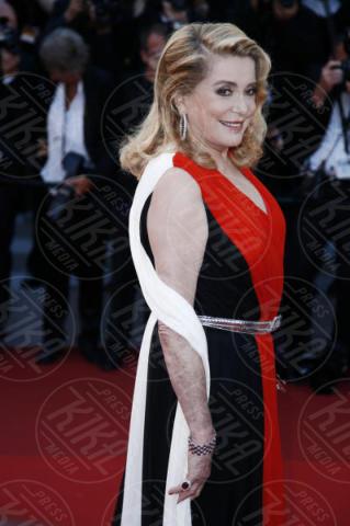 Catherine Deneuve - Cannes - 23-05-2017 - Cannes festeggia 70 anni: sul red carpet la crème de la crème