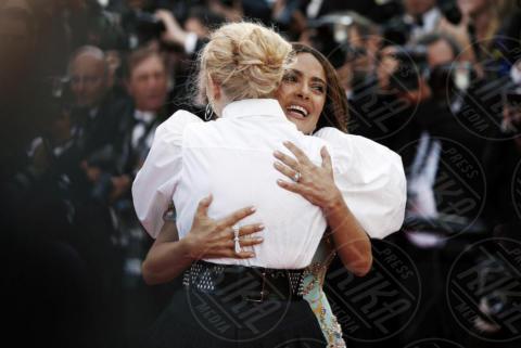 Emmanuelle Beart, Salma Hayek - Cannes - 23-05-2017 - Cannes festeggia 70 anni: sul red carpet la crème de la crème