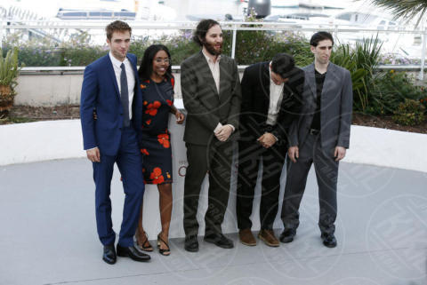 Taliah Webster, Josh Safdie, Benny Safdie, Robert Pattinson - Cannes - 25-05-2017 - Cannes 2017: Pattinson si veste da criminale per Good Times