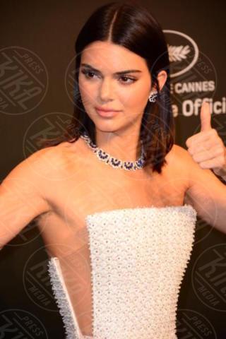 Kendal Jenner - Cannes - 20-05-2017 - Cannes 2017: sul red carpet no-bra... viva la libertà!