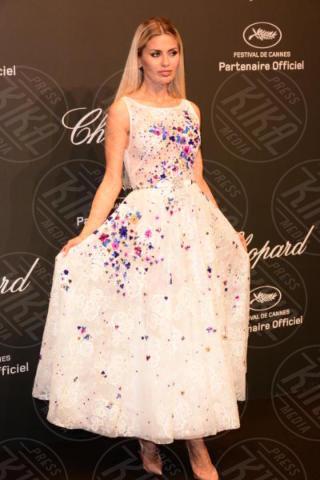 Victoria Bonya - Cannes - 19-05-2017 - Cannes 2017: Bella Hadid è la stella del party Chopard