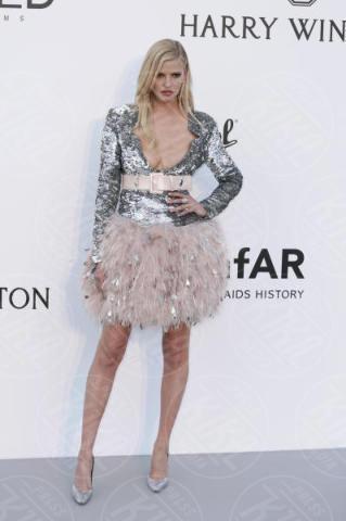 Lara Stone - Cannes - 25-05-2017 - Cannes 2017: l'amfAR 2017 è... argento vivo!