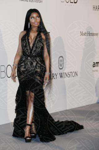 Nicki Minaj - Cannes - 25-05-2017 - AmfAR, tutte fuori di seno! Provate a guardarle negli occhi