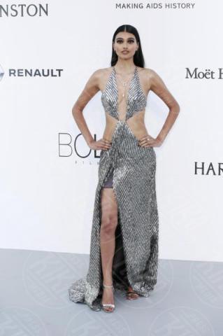 Neelam Gill - Cannes - 25-05-2017 - Cannes 2017: l'amfAR 2017 è... argento vivo!