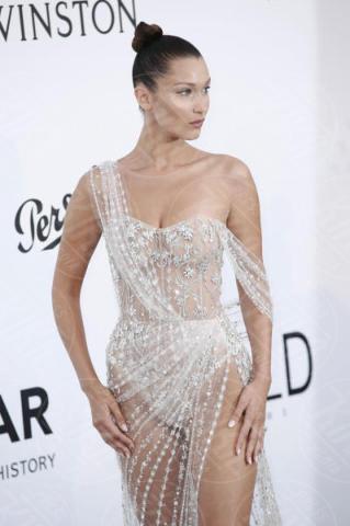 Bella Hadid - Cannes - 25-05-2017 - AmfAR, tutte fuori di seno! Provate a guardarle negli occhi