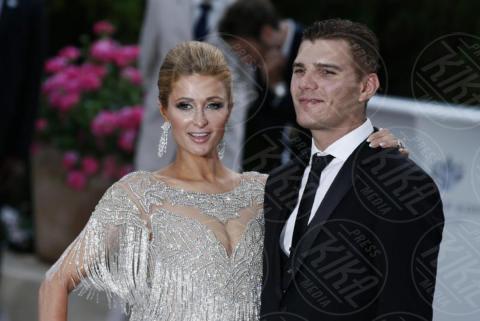 Chris Zylka, Paris Hilton - Cannes - 25-05-2017 - Cannes 2017: l'amfAR 2017 è... argento vivo!