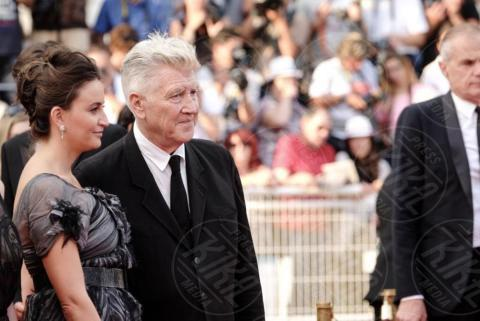 Emily Stofler, David Lynch - Cannes - 25-05-2017 - Cannes 2017: sul red carpet rivive Twin Peaks