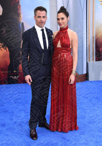 Gal Gadot, Chris Pine - Hollywood - 25-05-2017 - Gal Gadot e Lynda Carter: Wonder Woman sfida Wonder Woman!