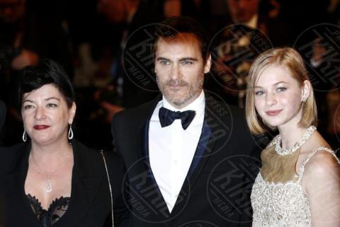 Ekaterina Samsonov, Lynne Ramsay, Joaquin Phoenix - Cannes - 27-05-2017 - Cannes 2017, Joaquin Phoenix è un veterano di guerra