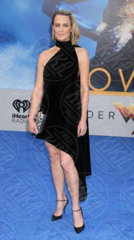 Robin Wright - Los Angeles - 25-05-2017 - Gal Gadot incontra Lynda Carter, la prima Wonder Woman
