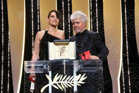 Juliette Binoche, Pedro Almodovar - Cannes - 28-05-2017 - Monica Bellucci e il toccante discorso sulle donne