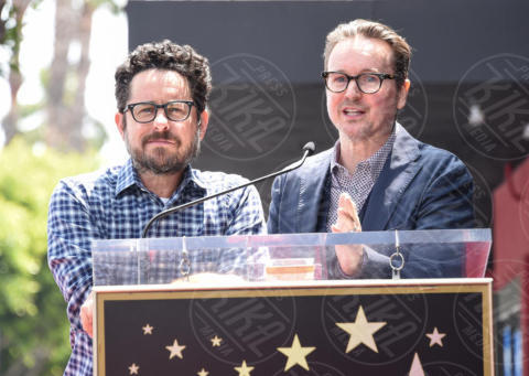 Matt Reeves, J.J. Abrams - Hollywood - 30-05-2017 - Robert Pattinson, da vampiro a uomo pipistrello in Batman