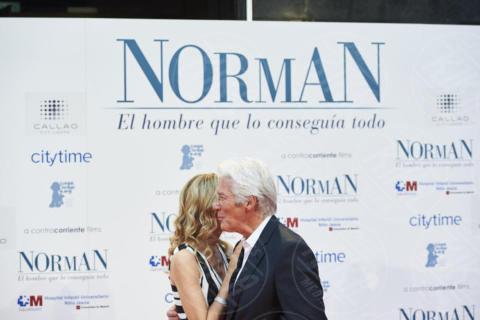 Alejandra Silva, Richard Gere - Madrid - 31-05-2017 - Richarde Gere sempre più innamorato, il red carpet è di coppia