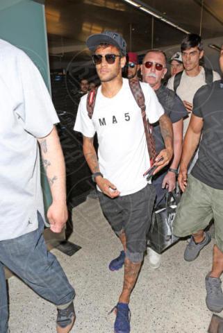Neymar - Los Angeles - 01-06-2017 - Neymar conquista una bomba sexy. Rifatevi gli occhi