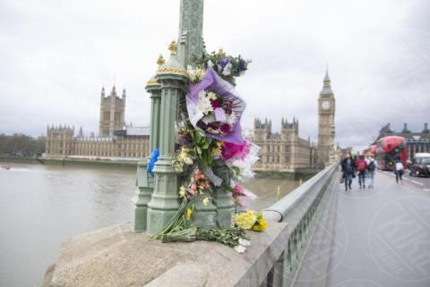 Tributo vittime attentato Westminster - Londra - 31-03-2017 - Tutti gli attentati terroristici nel Regno Unito dal 2005