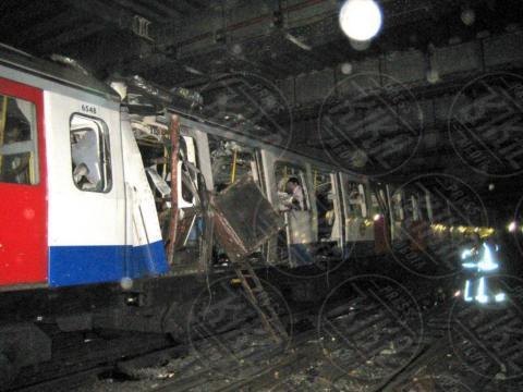 Metropolitana Londra - Londra - 07-07-2005 - Tutti gli attentati terroristici nel Regno Unito dal 2005