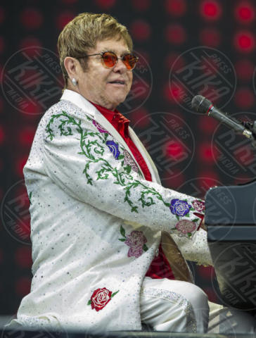 Elton John - Londra - 03-06-2017 - Il commovente messaggio di Elton John per la morte della mamma