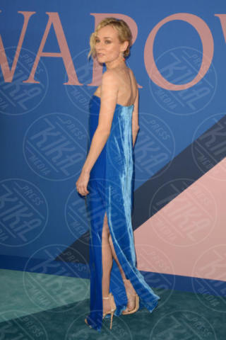 Diane Kruger - New York - 06-06-2017 - CFDA Awards 2017: ecco chi è la Bella in rosa sul blue carpet...