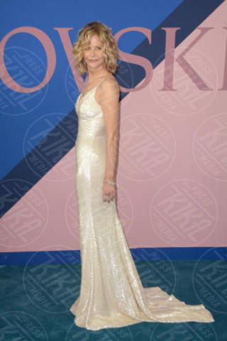 Meg Ryan - New York - 06-06-2017 - CFDA Awards 2017: ecco chi è la Bella in rosa sul blue carpet...