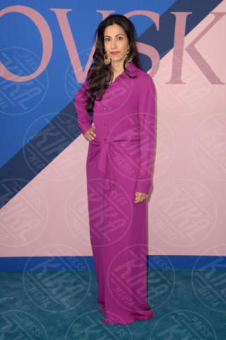 Huma Abedin - New York - 06-06-2017 - CFDA Awards 2017: ecco chi è la Bella in rosa sul blue carpet...